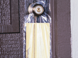 Picture of item 964-774 a High Density Doorknob Bags. 9.5 X 15 in. .45 mil. Clear. 2000 count.