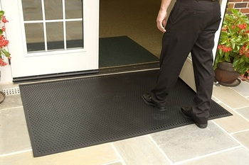 Picture of item 963-543 a Superscrape Indoor/Outdoor Floor Mat. 6 X 8 ft. Black.